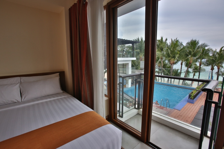 Crown Regency Beach Resort Boracay Room