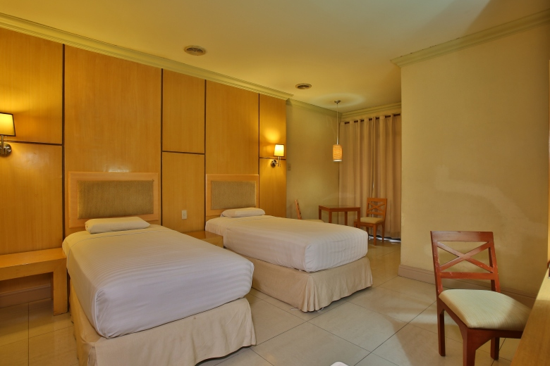 Crown Regency Residences Gudalupe- Room